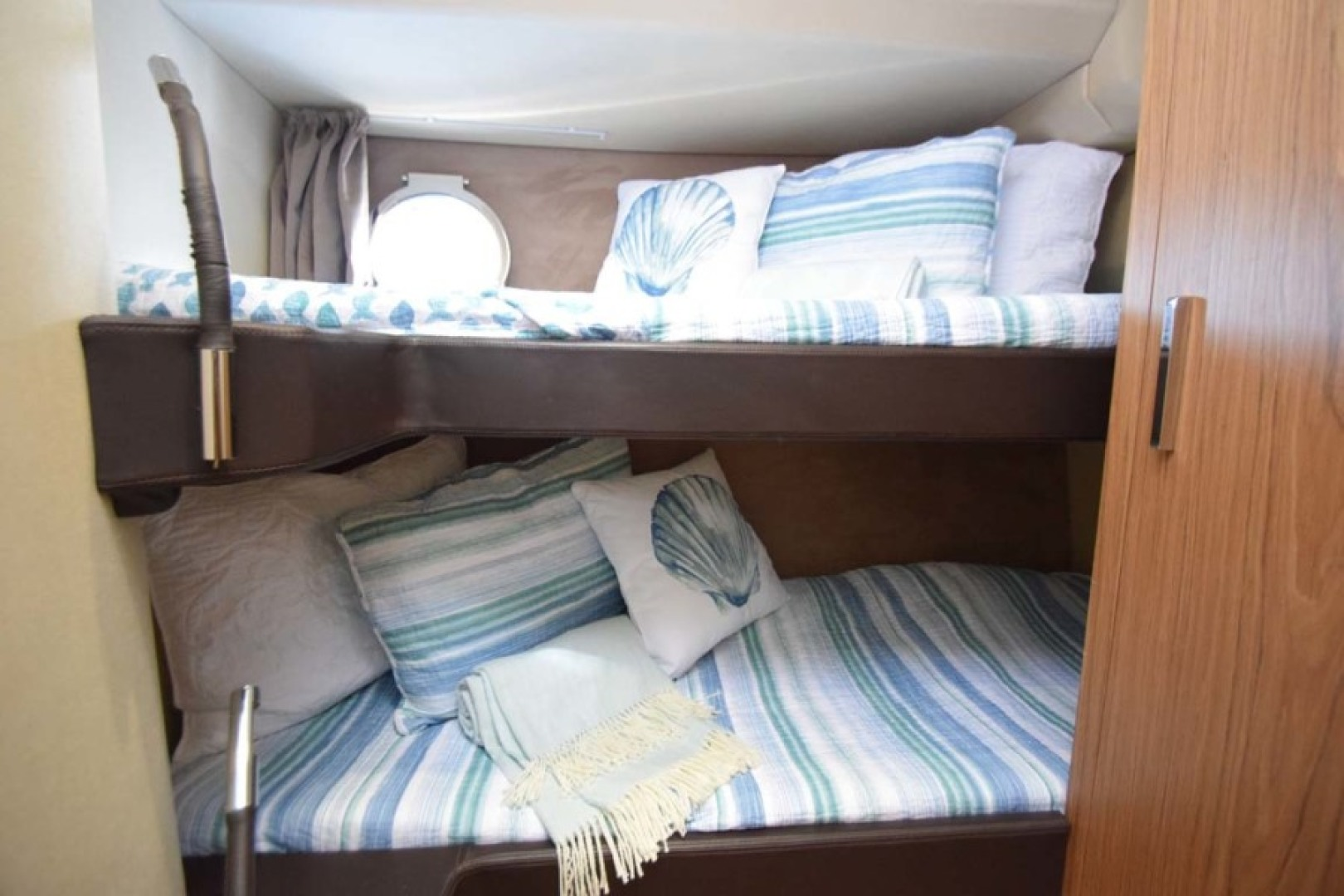 Sessa-C54 Express 2011 -Lighthouse Point-Florida-United States-Twin Guest Stateroom-1477110 | Thumbnail