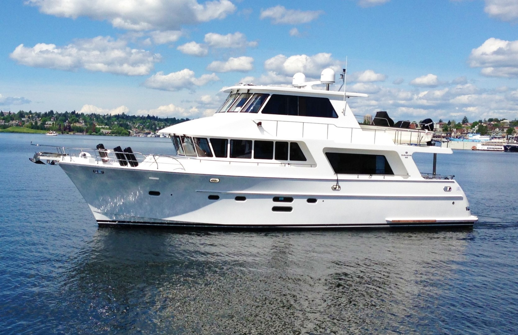 Picture Of: 68' Hampton Endurance 650 2013 Yacht For Sale | 1 of 38
