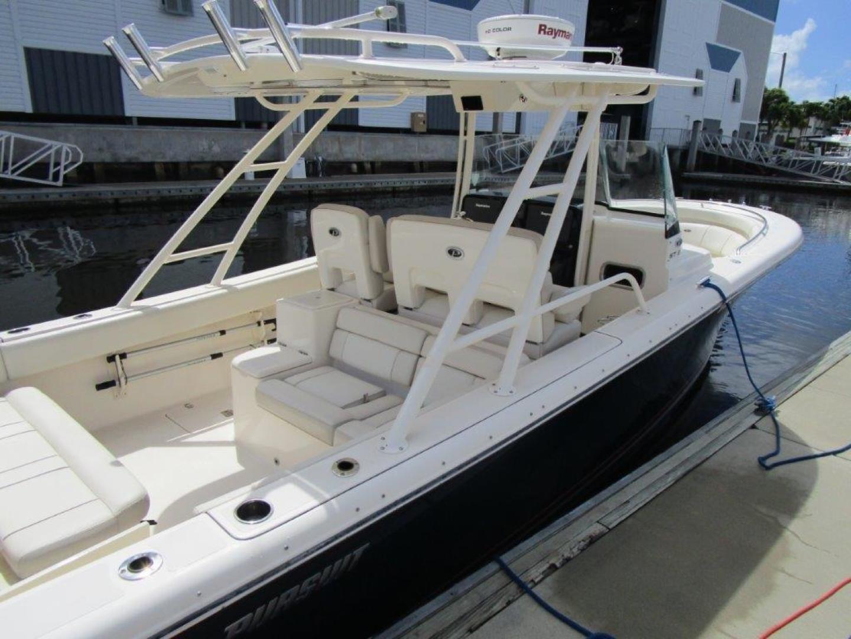 Pursuit-310 ST 2012-Gloriana III Fort Lauderdale-United States-Cockpit-1477767 | Thumbnail
