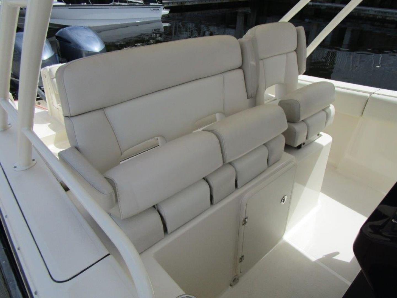 Pursuit-310 ST 2012-Gloriana III Fort Lauderdale-United States-Helm Seating-1477755 | Thumbnail
