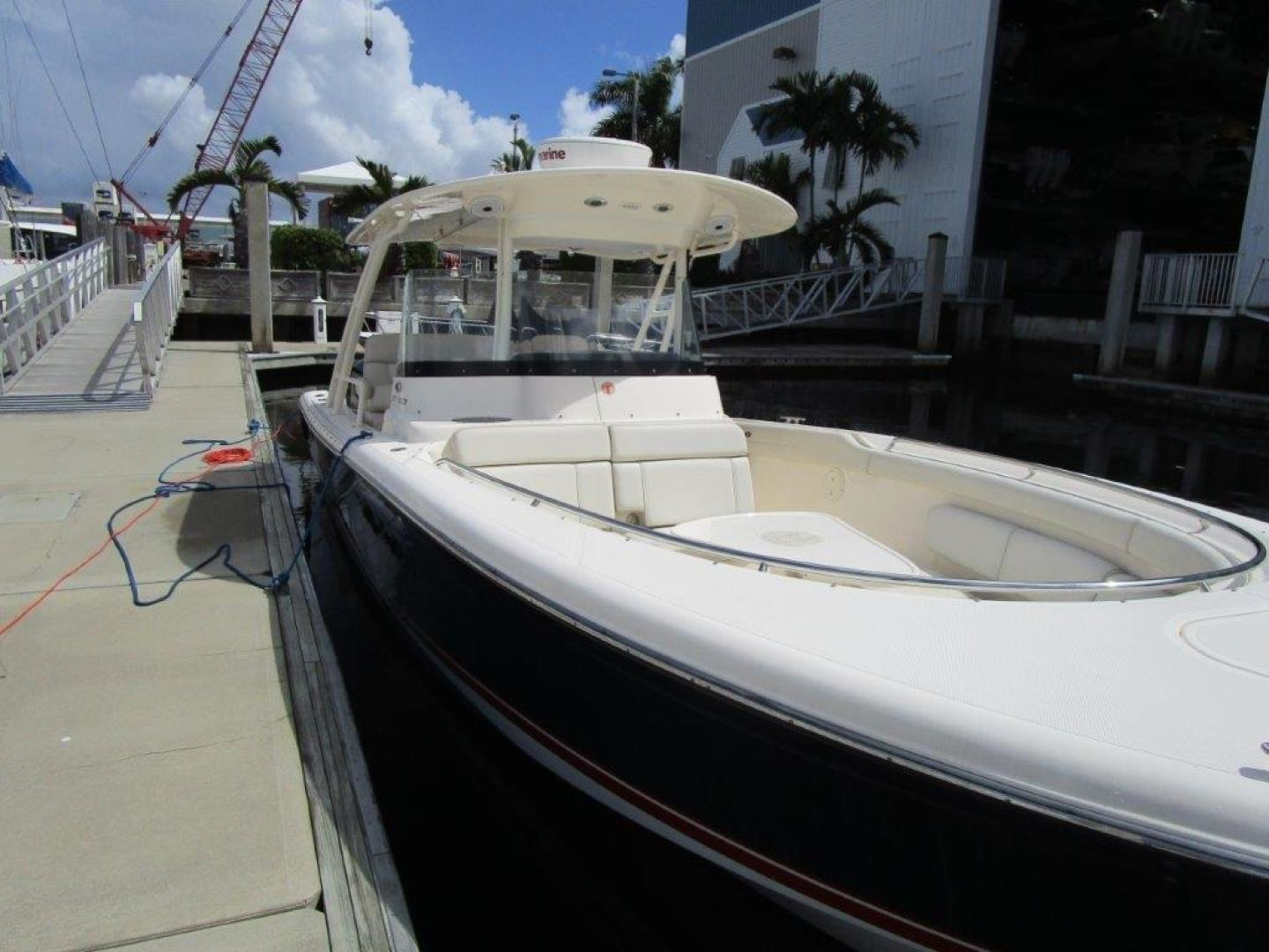 Pursuit-310 ST 2012-Gloriana III Fort Lauderdale-Florida-United States-Bow and foredeck-1477749 | Thumbnail