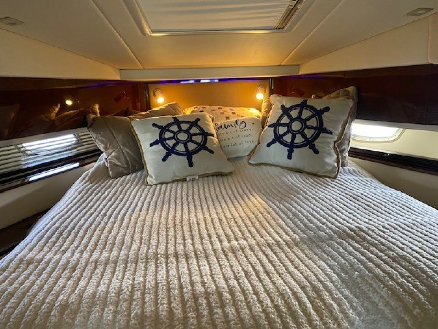 Sea Ray-450 Sundancer  2010-Something Special Too Plandome-New York-United States-Master Stateroom -1478032 | Thumbnail