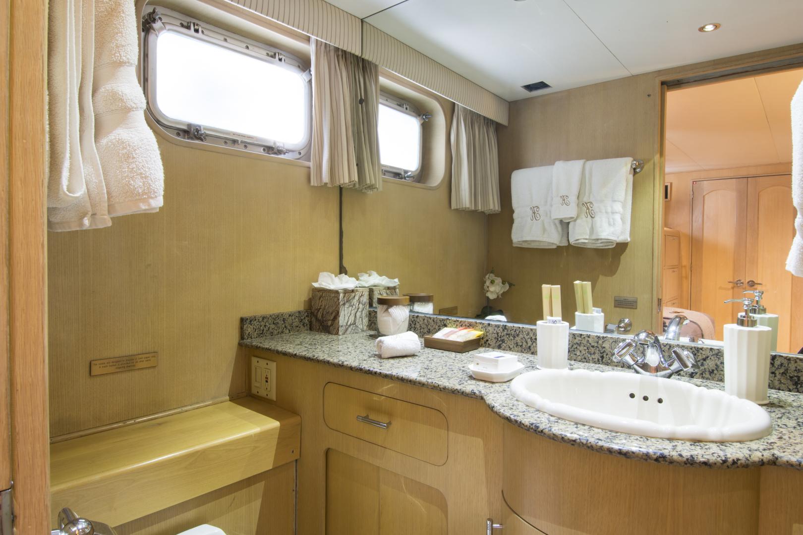 Broward-Motor Yacht 110 Pilothouse 1983-KALEEN Cole Bay-Sint Maarten (Dutch Part)-1482844 | Thumbnail