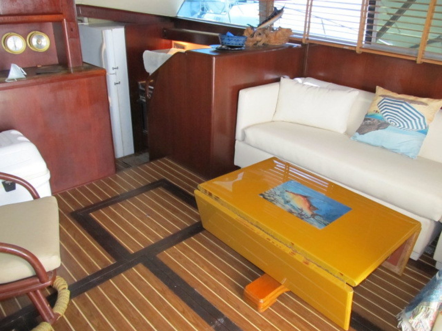 Bertram-Convertible 1983-MD on Board Miami-Florida-United States-02 Salon From Entrance-1480009   Thumbnail