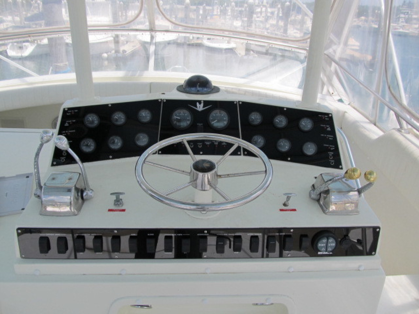 Bertram-Convertible 1983-MD on Board Miami-Florida-United States-31 Helm Close Up-1480037   Thumbnail