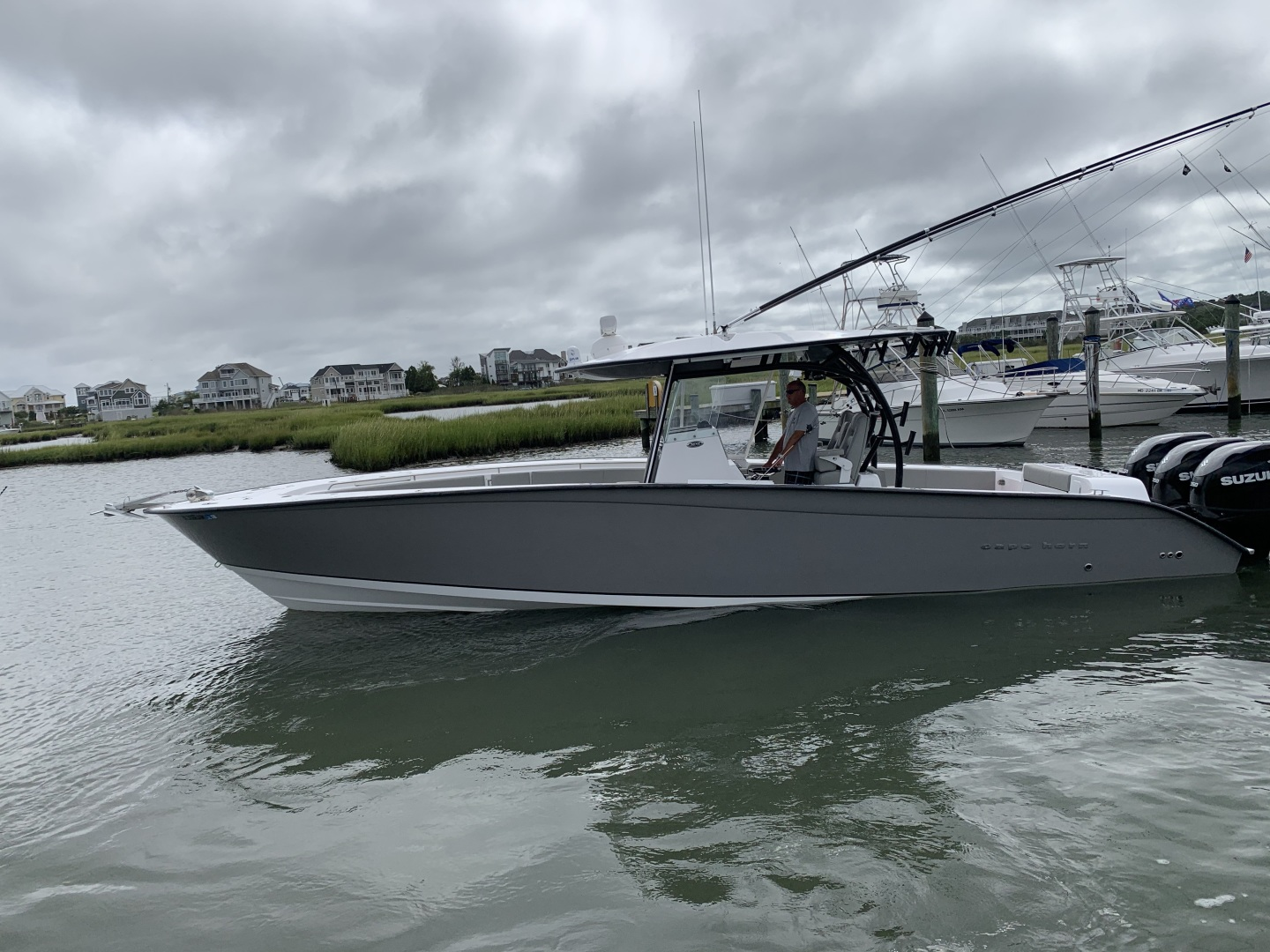 36' Cape Horn 36 XS with Furuno Sonar