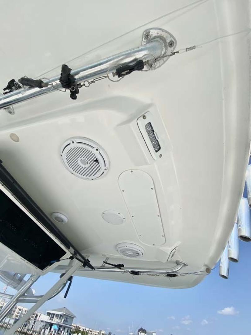 Venture-34 Cuddy 2004 -Freeport-New York-United States-T-Top Underside-1481884 | Thumbnail