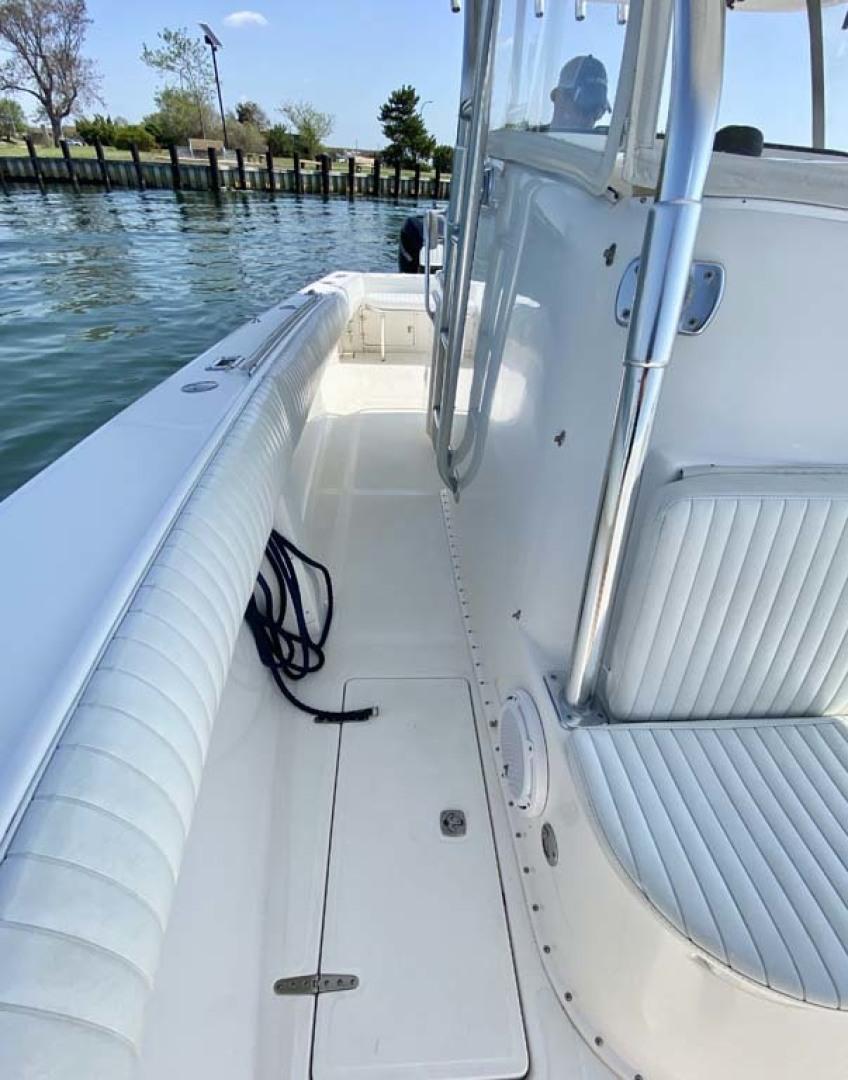 Venture-34 Cuddy 2004 -Freeport-New York-United States-Starboard Deck-1481879 | Thumbnail