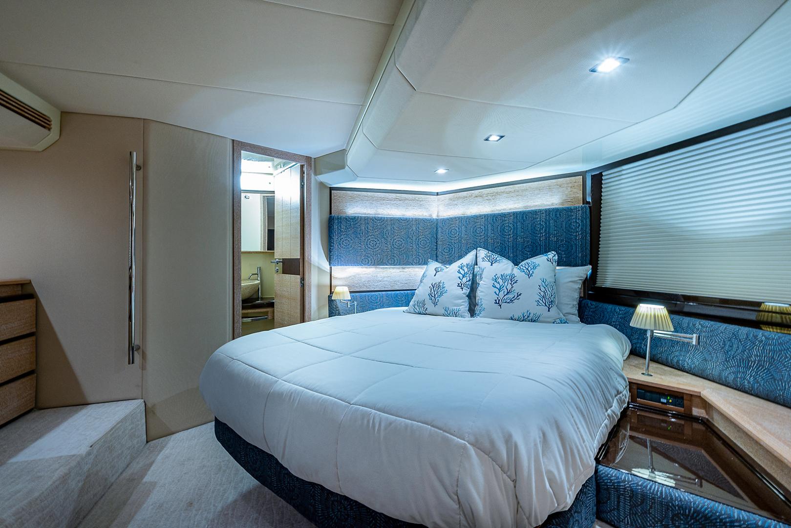 Azimut-58 Fly Motor Yacht 2011-Nova Fort Lauderdale-Florida-United States-58_azimut_nova__master_stateroom10-1490543 | Thumbnail