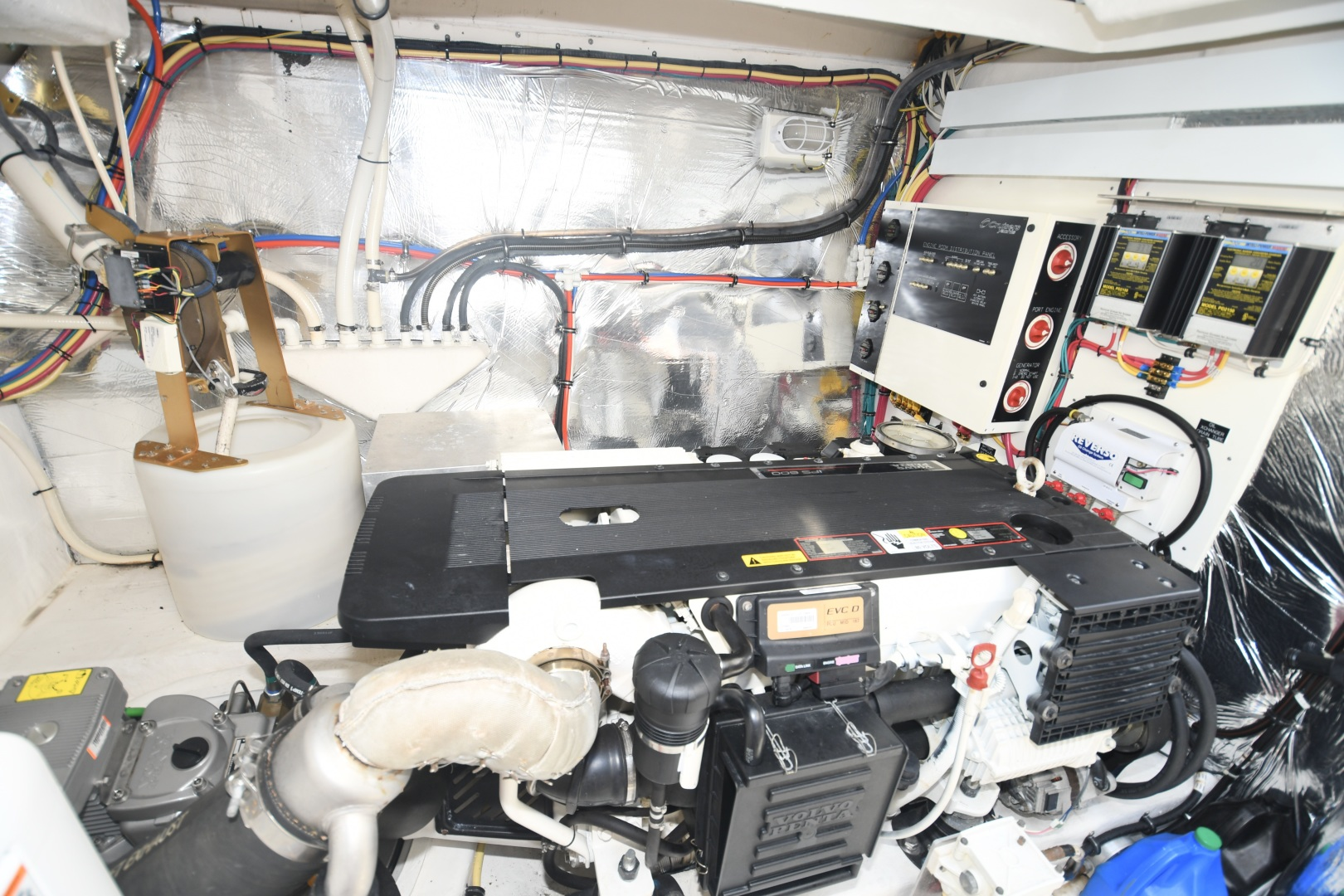 Cruisers-48 Cantius 2012-BELLE Tampa-Florida-United States-2012 48 Cruisers Yachts Cantius  BELLE  Engine Room-1482966 | Thumbnail