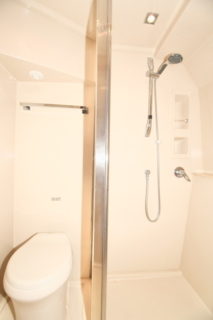 Cruisers-48 Cantius 2012-BELLE Tampa-Florida-United States-2012 48 Cruisers Yachts Cantius  BELLE  Master Stateroom Shower Stall-1482949 | Thumbnail