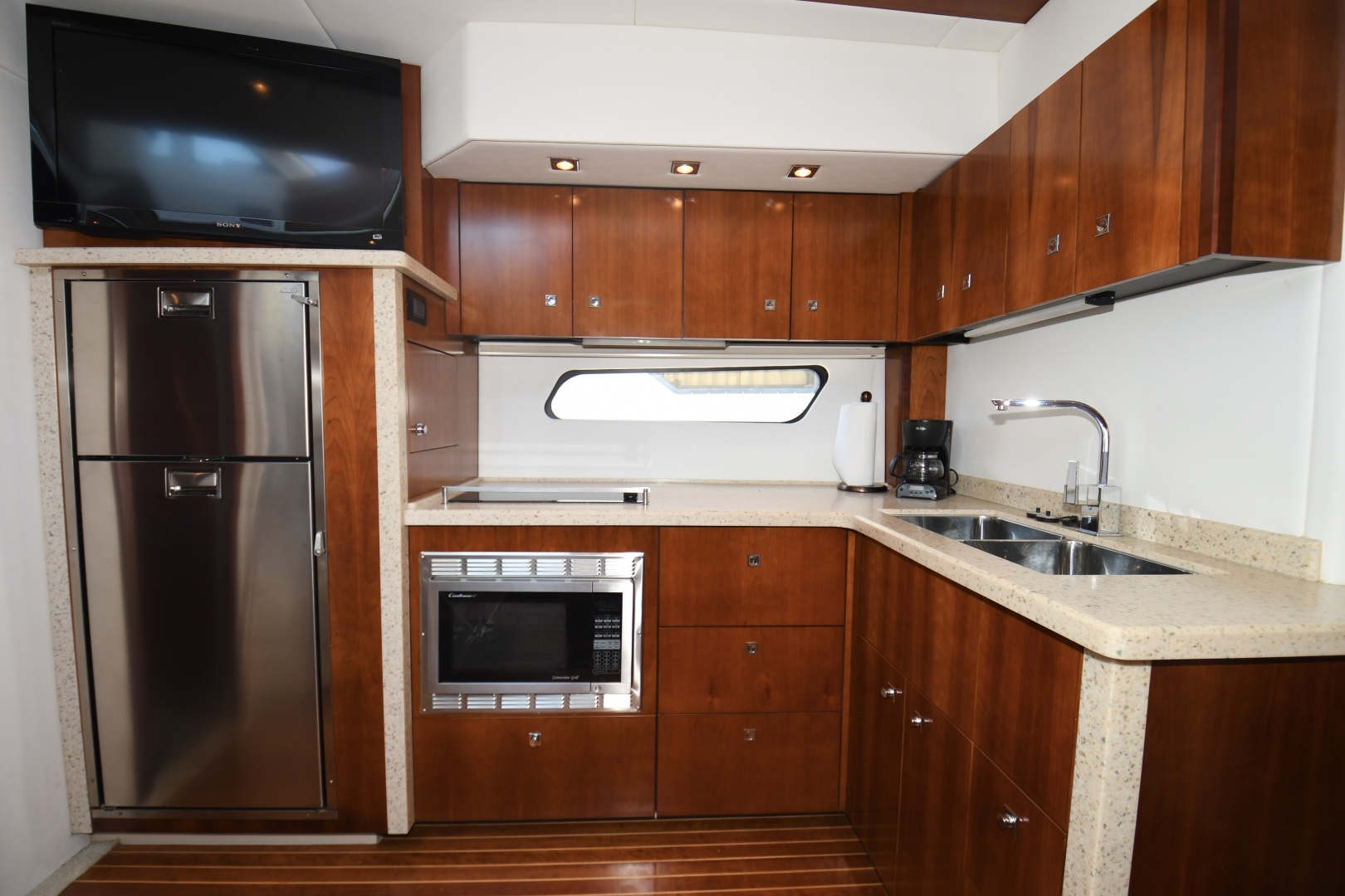 Cruisers-48 Cantius 2012-BELLE Tampa-Florida-United States-2012 48 Cruisers Yachts Cantius  BELLE  Galley-1482930 | Thumbnail