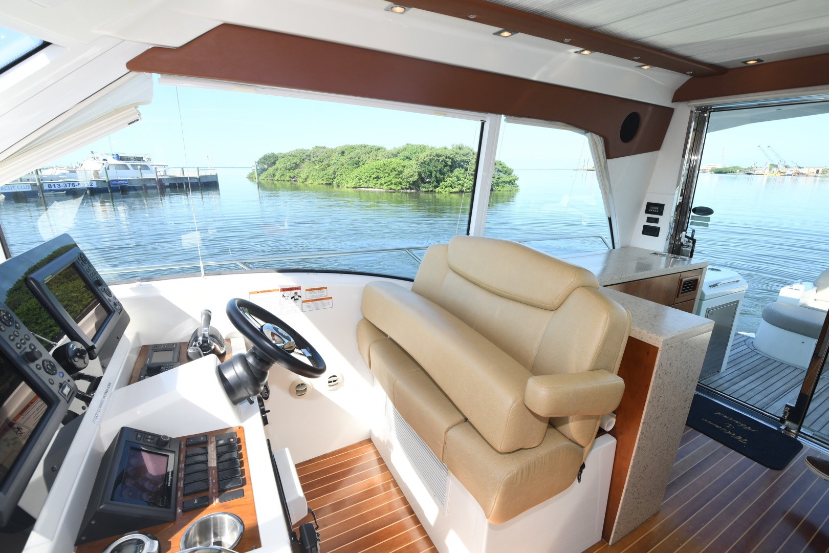 Cruisers-48 Cantius 2012-BELLE Tampa-Florida-United States-2012 48 Cruisers Yachts Cantius  BELLE  Helm Seating-1482938 | Thumbnail
