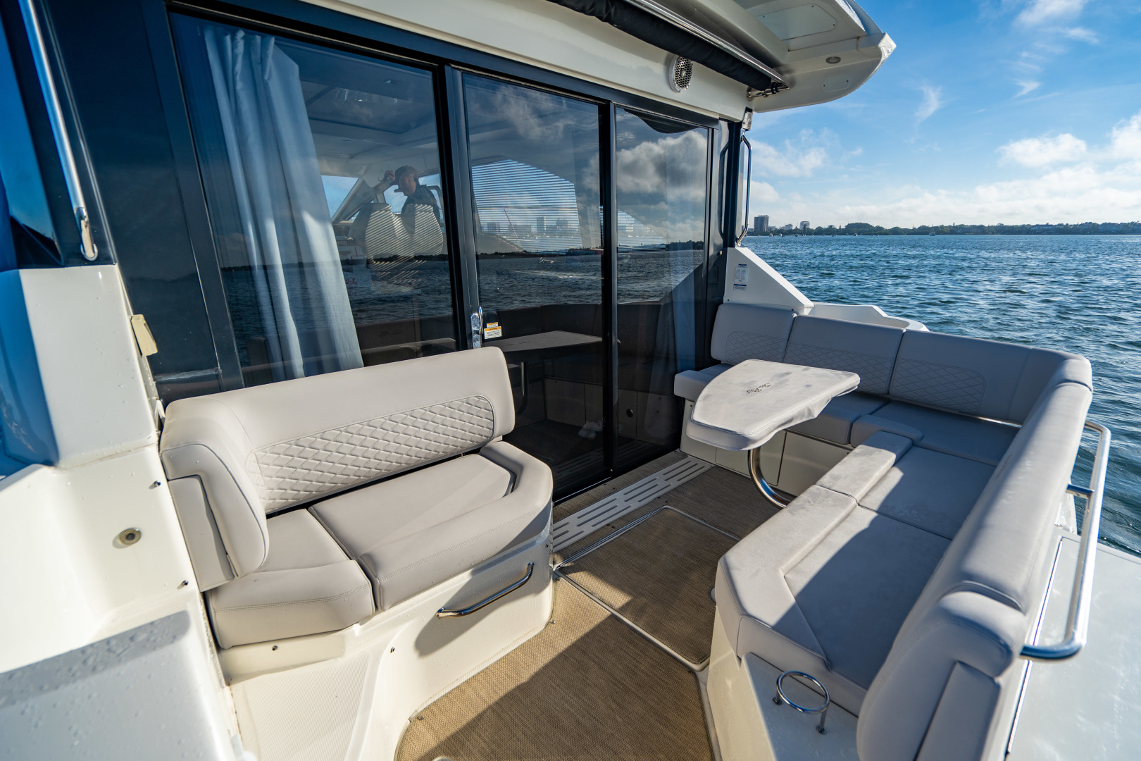 Sea Ray-460 DA 2017-Joie De Vivre Sarasota-Florida-United States-46 Sea Ray Sundancer-1486536 | Thumbnail
