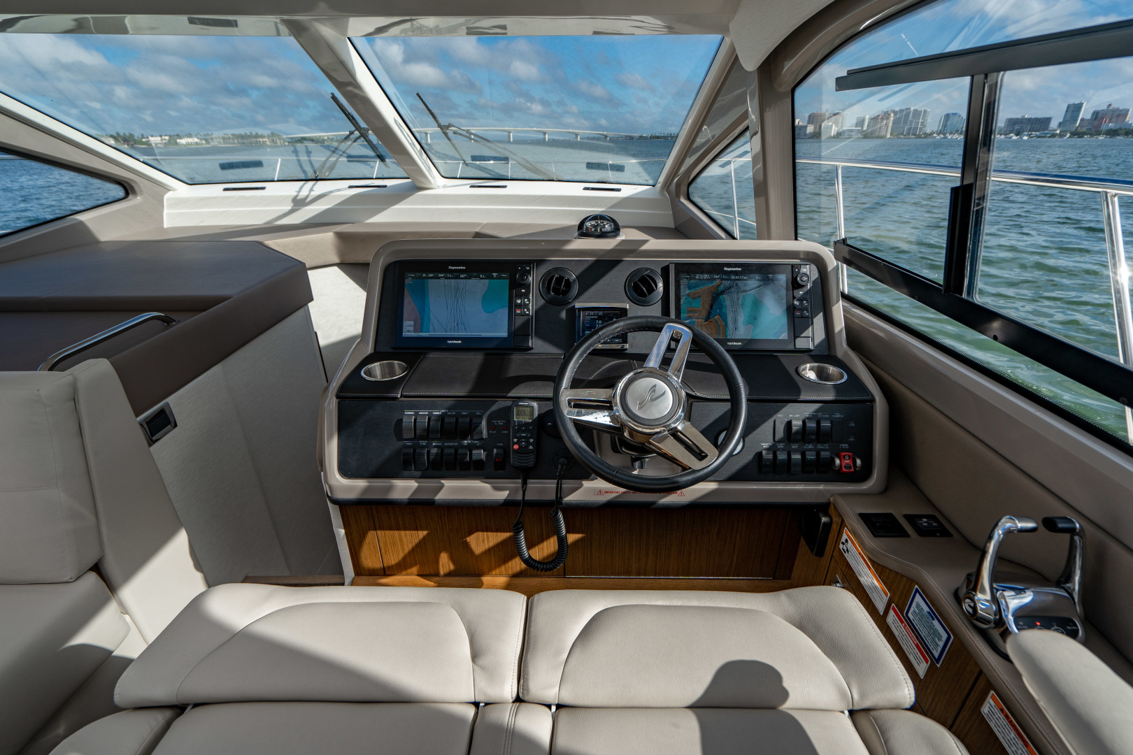 Sea Ray-460 DA 2017-Joie De Vivre Sarasota-Florida-United States-46 Sea Ray Sundancer Helm-1486582 | Thumbnail