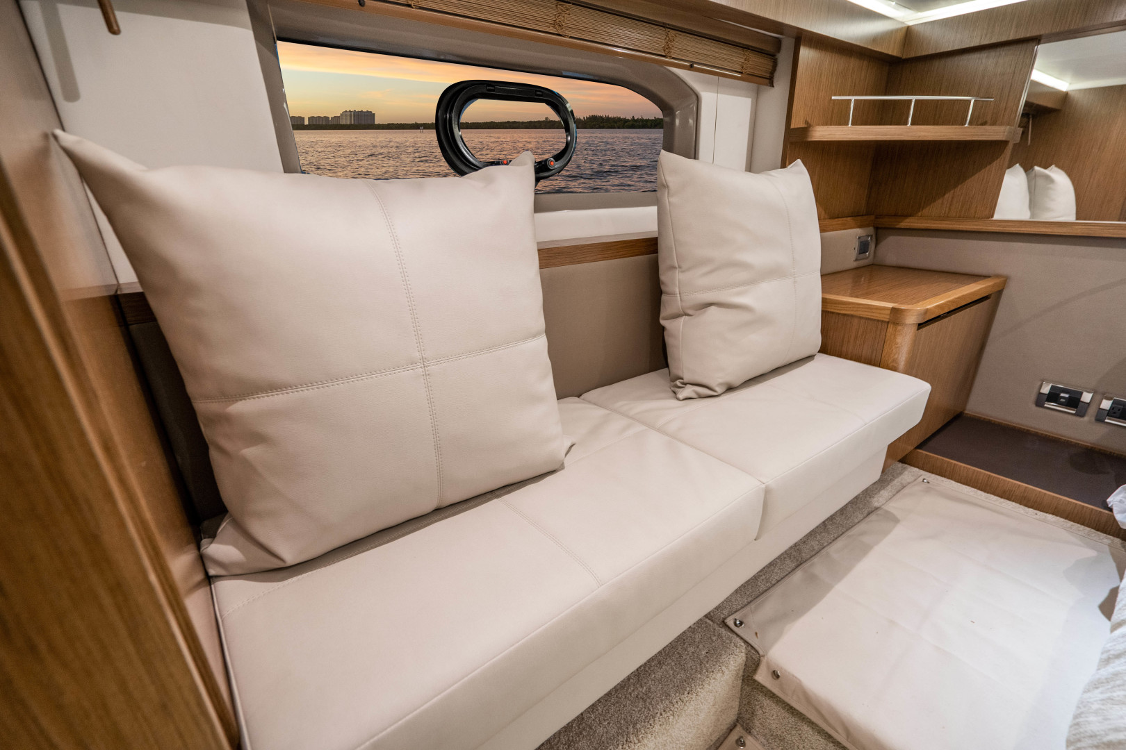Sea Ray-460 DA 2017-Joie De Vivre Sarasota-Florida-United States-46 Sea Ray Sundancer-1486524 | Thumbnail