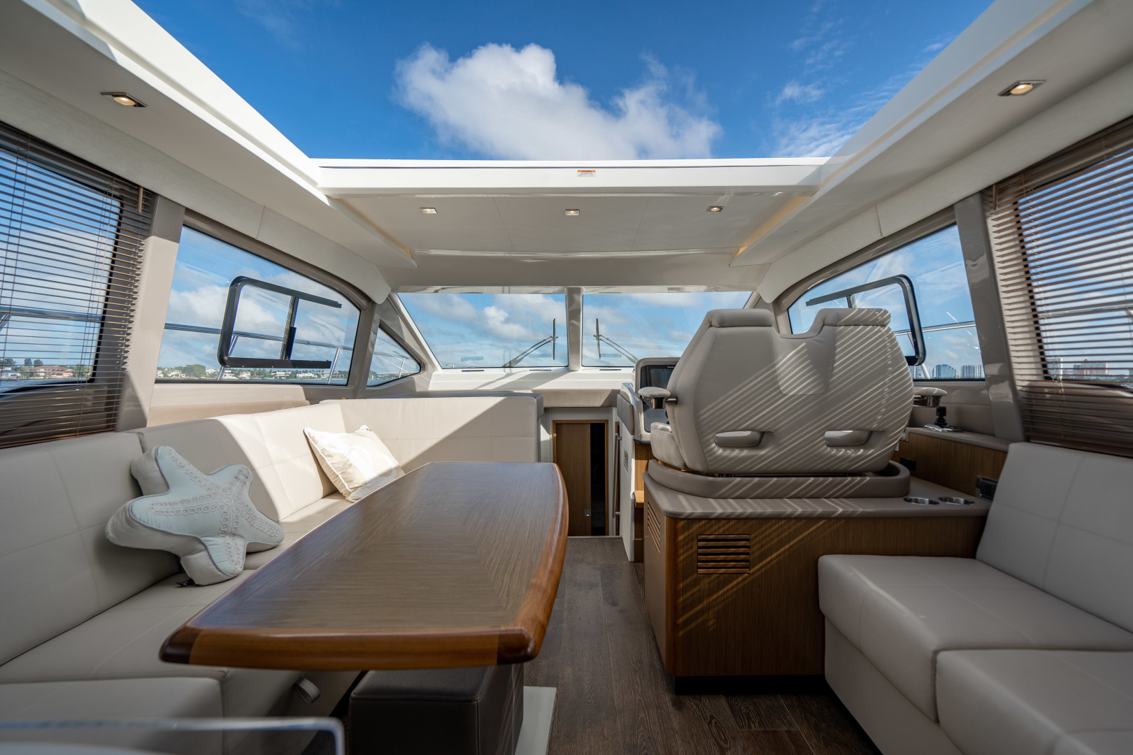 Sea Ray-460 DA 2017-Joie De Vivre Sarasota-Florida-United States-46 Sea Ray Sundancer-1486578 | Thumbnail