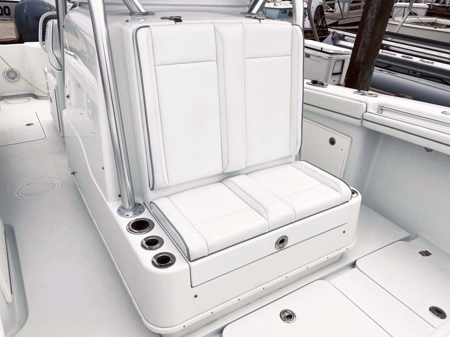 Yellowfin-32 Center Console 2017-Obsession Cape May-New Jersey-United States-Forward Seating And Storage-1484654 | Thumbnail