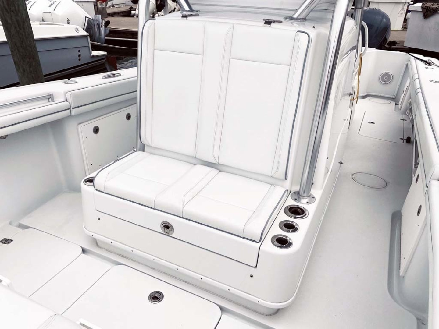 Yellowfin-32 Center Console 2017-Obsession Cape May-New Jersey-United States-Forward Seating And Storage-1484652 | Thumbnail