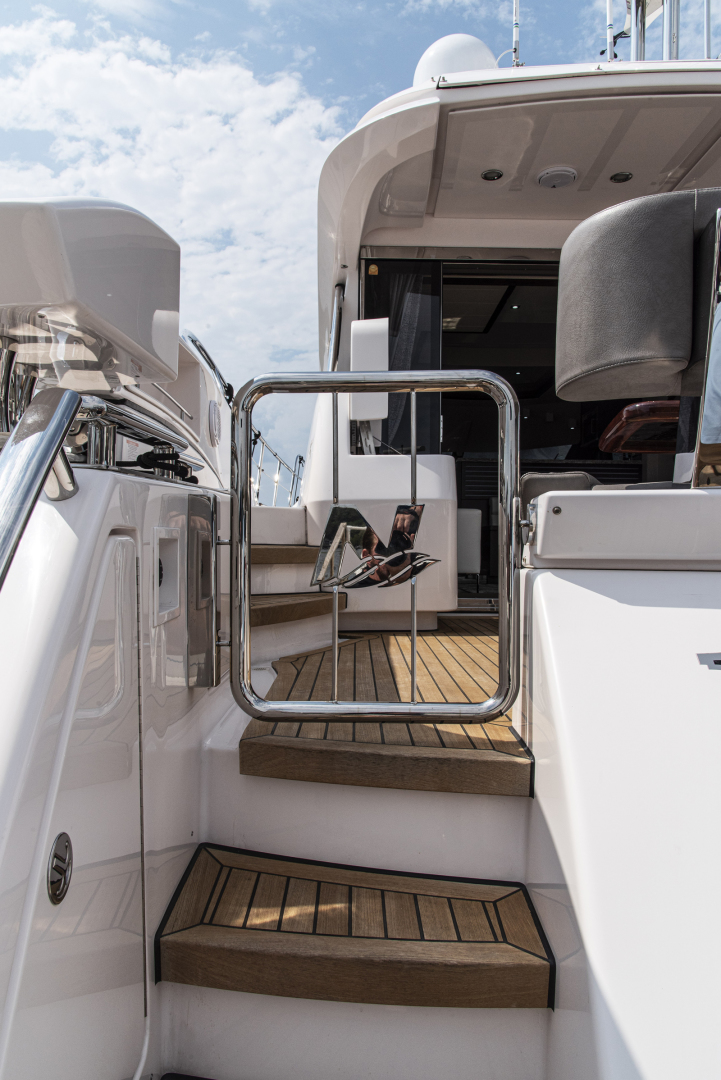 Neptunus-Motor Yacht Express 2018-LIQUID WISDOM Grand Haven-Michigan-United States-Swim platform gate-1485012 | Thumbnail