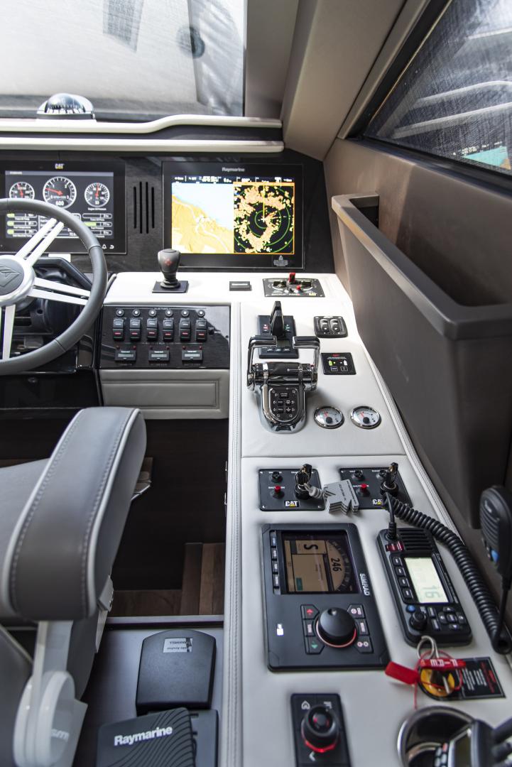 Neptunus-Motor Yacht Express 2018-LIQUID WISDOM Grand Haven-Michigan-United States-Stbd side of helm-1484975 | Thumbnail