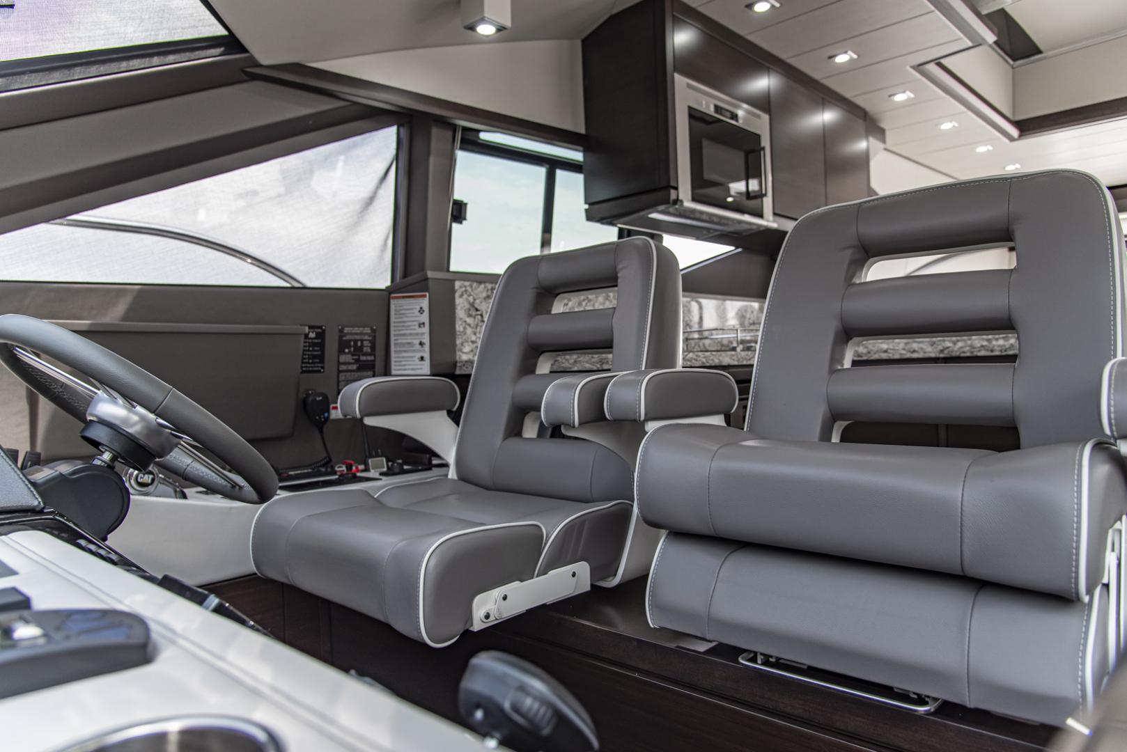 Neptunus-Motor Yacht Express 2018-LIQUID WISDOM Grand Haven-Michigan-United States-Two tone Pompanette helm chairs-1484976 | Thumbnail