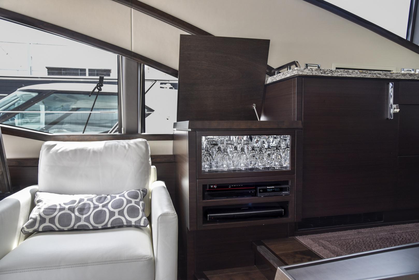 Neptunus-Motor Yacht Express 2018-LIQUID WISDOM Grand Haven-Michigan-United States-Port side dry bar-1484960 | Thumbnail