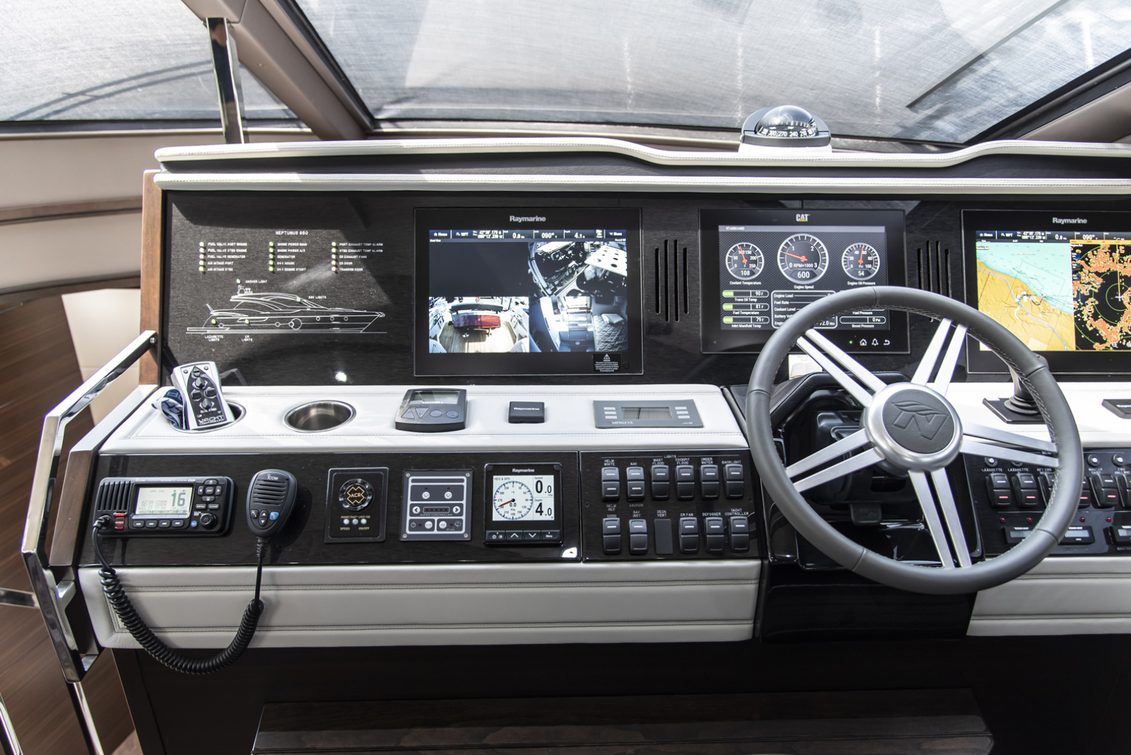 Neptunus-Motor Yacht Express 2018-LIQUID WISDOM Grand Haven-Michigan-United States-Helm to port-1484970 | Thumbnail