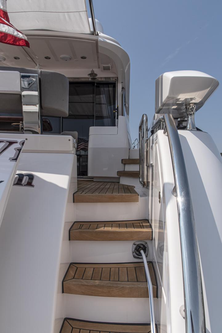 Neptunus-Motor Yacht Express 2018-LIQUID WISDOM Grand Haven-Michigan-United States-Access steps from swim platform-1485011 | Thumbnail