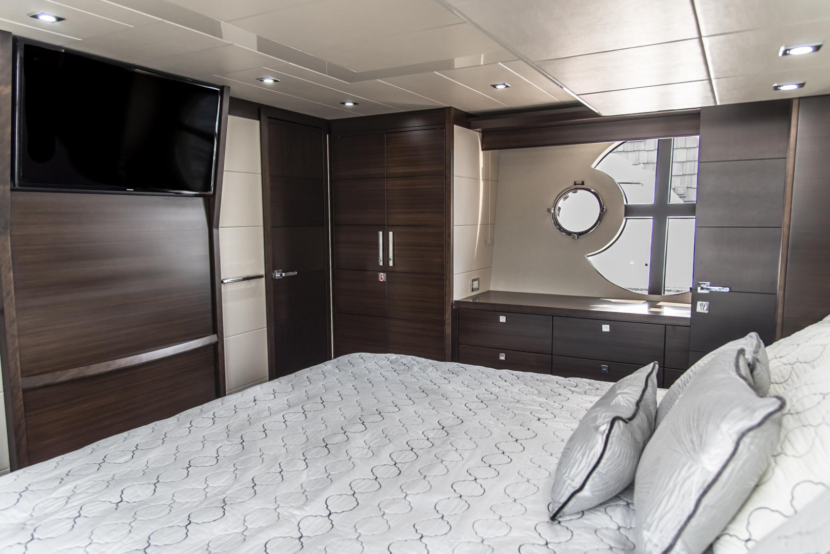 Neptunus-Motor Yacht Express 2018-LIQUID WISDOM Grand Haven-Michigan-United States-Master looking forward to stbd-1484982 | Thumbnail