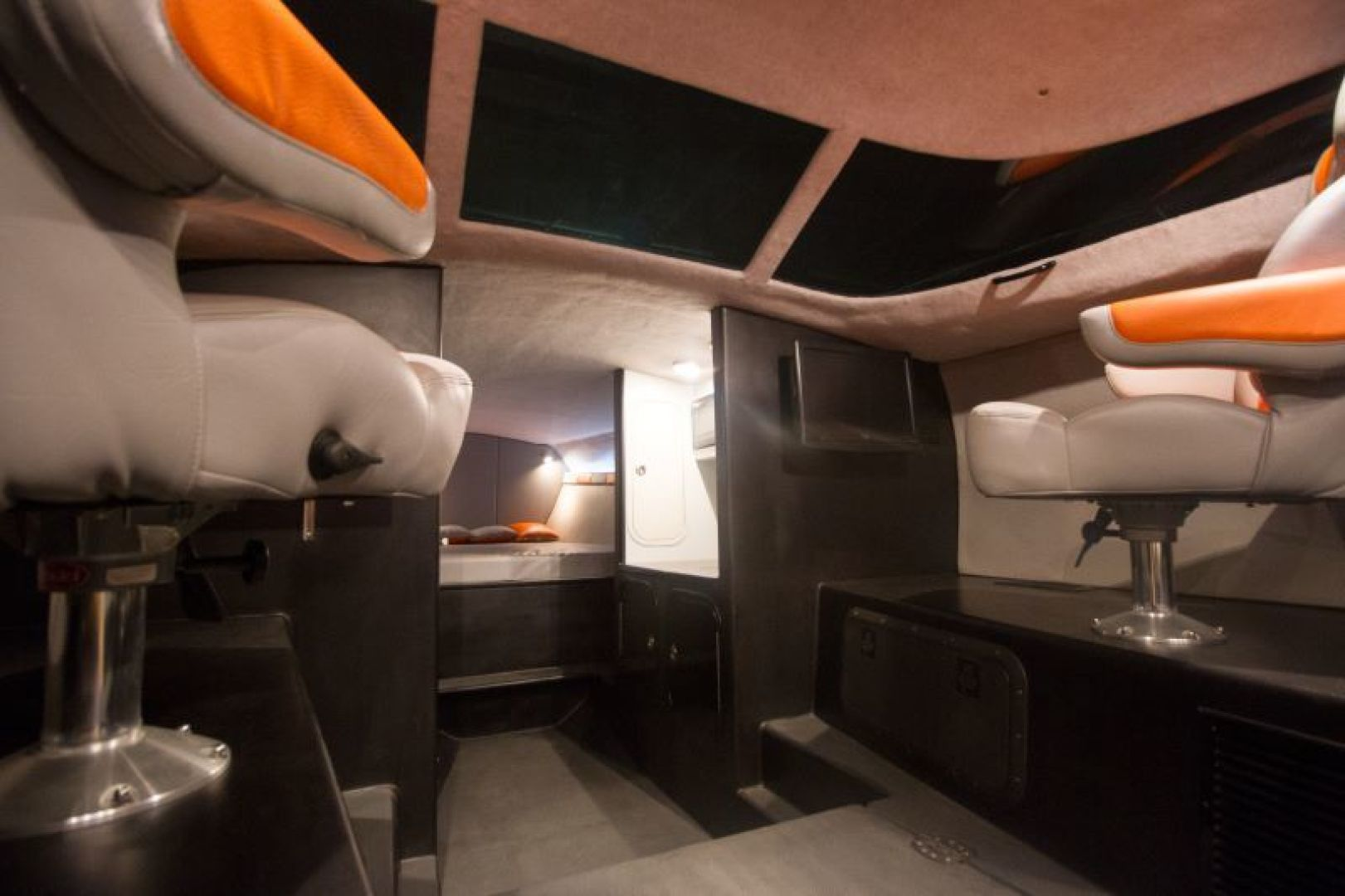 Phantom-Express Cruiser 2010-SECOND CITY Seattle-Washington-United States-Cabin-1510990   Thumbnail