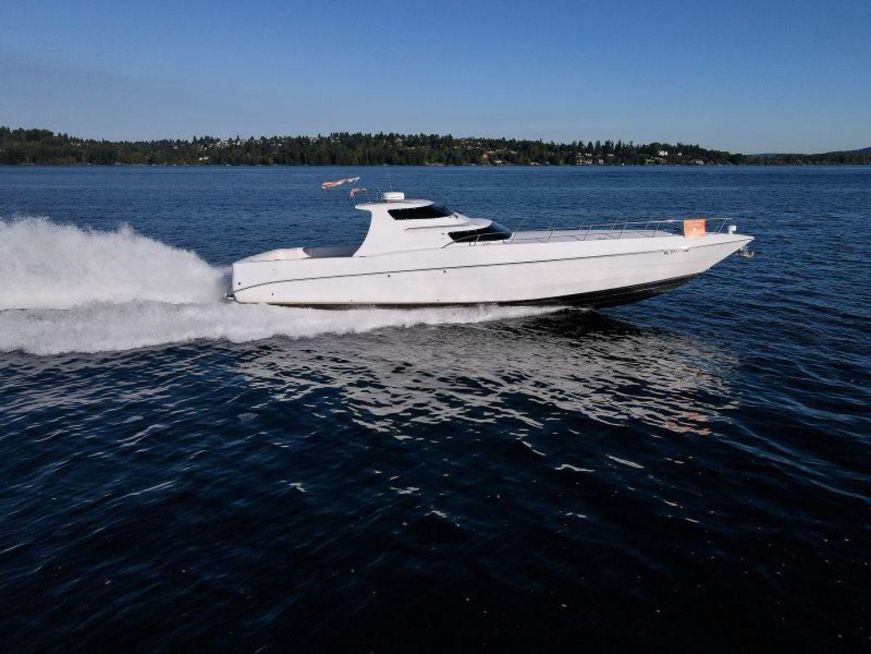 Phantom-Express Cruiser 2010-SECOND CITY Seattle-Washington-United States-Running -1485989   Thumbnail