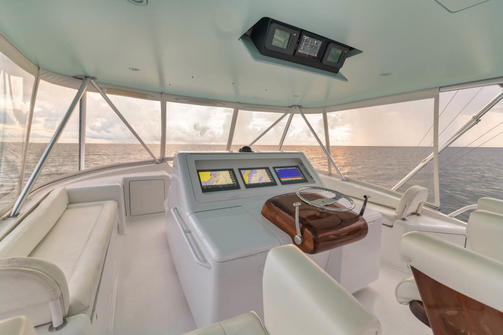 Viking-Convertible 2009-MOLLIE K Key Largo-Florida-United States-Flybridge Port Side Seating-1487411 | Thumbnail