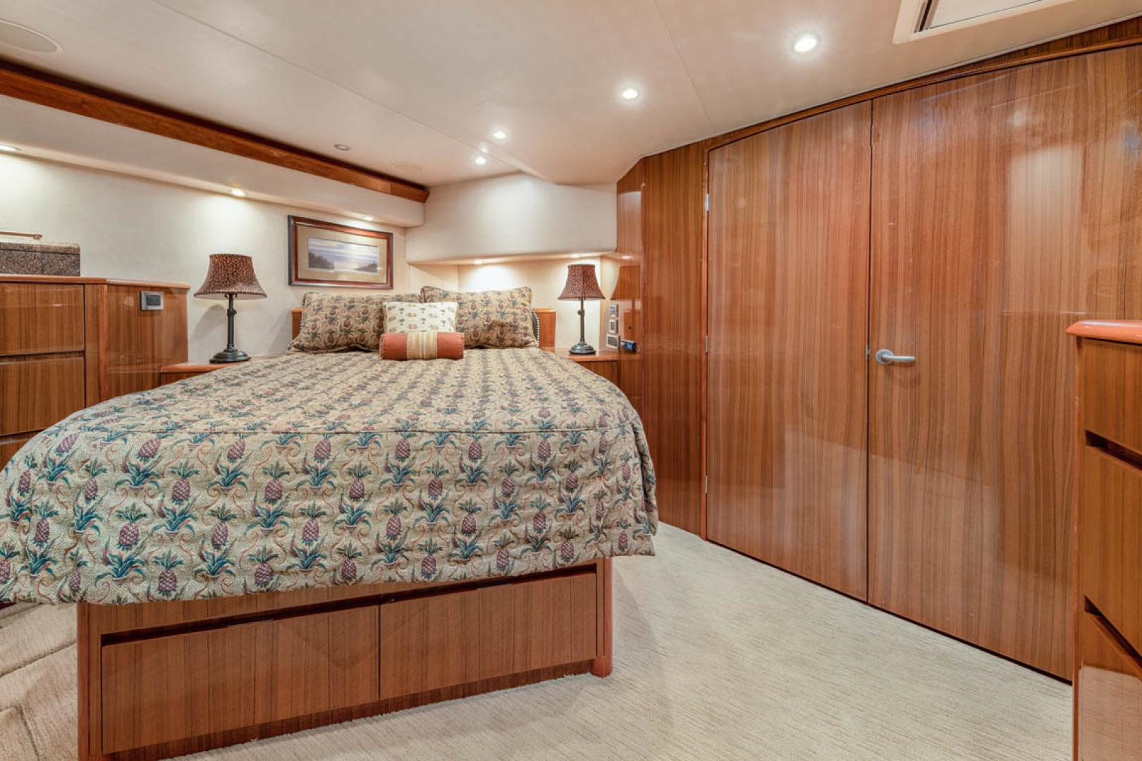Viking-Convertible 2009-MOLLIE K Key Largo-Florida-United States-Master Stateroom  Upgraded Mattress-1487399 | Thumbnail