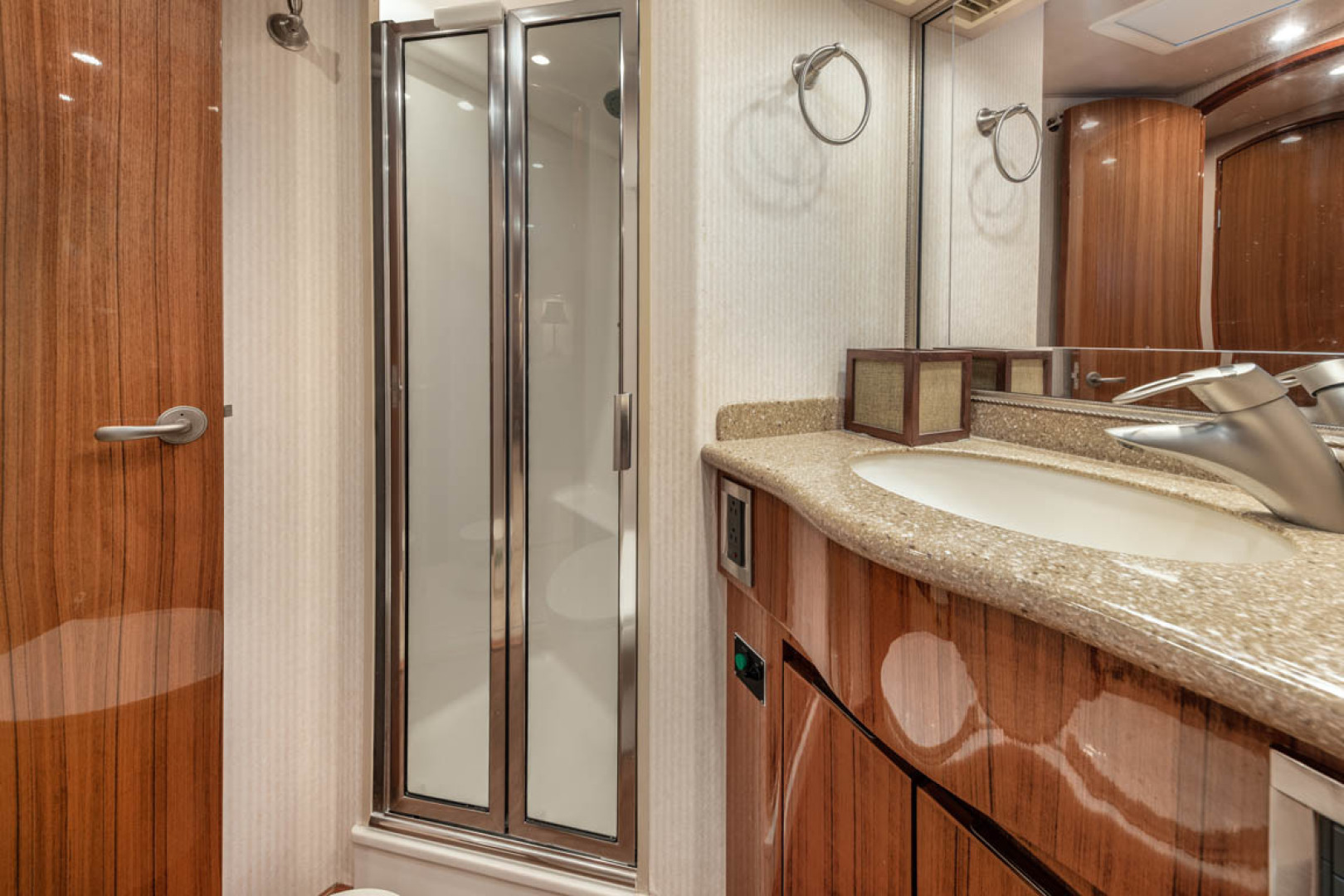 Viking-Convertible 2009-MOLLIE K Key Largo-Florida-United States-Starboard Stateroom Head And Shower-1487404 | Thumbnail