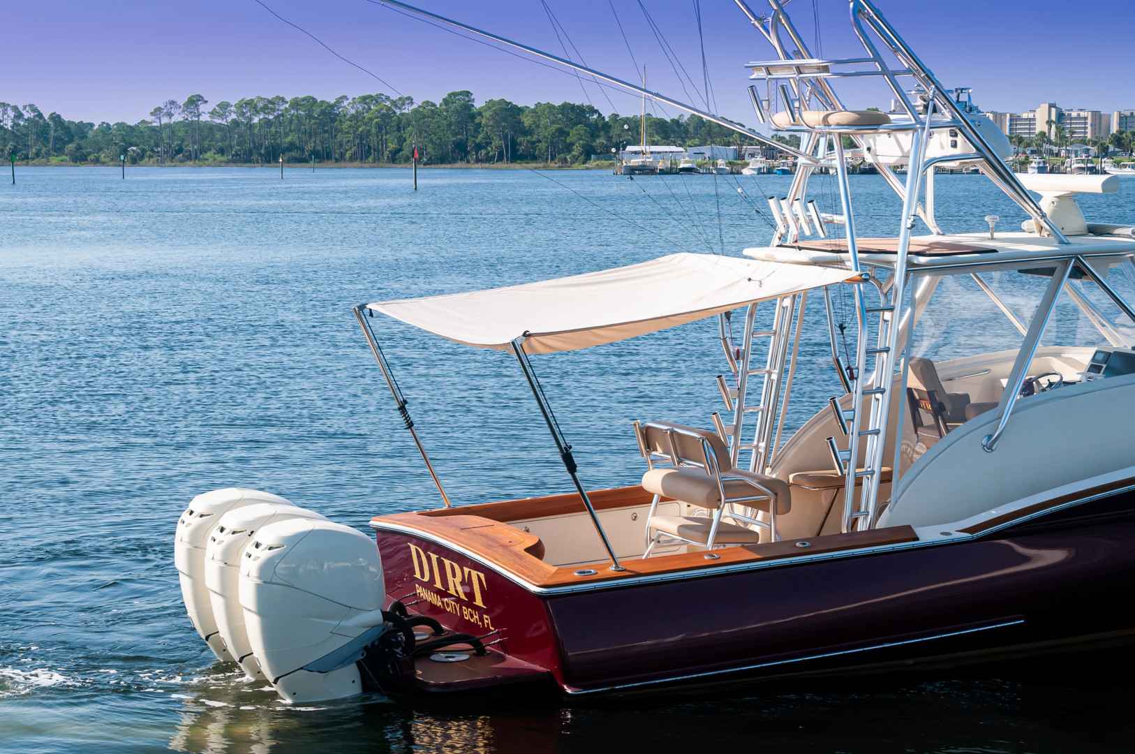 Jarrett Bay-34 Walk Around 2009-Dirt Panama City Beach-Florida-United States-2009 34 Jarrett Bay Walkaround Dirt Cockpit Shade (2)-1487713 | Thumbnail