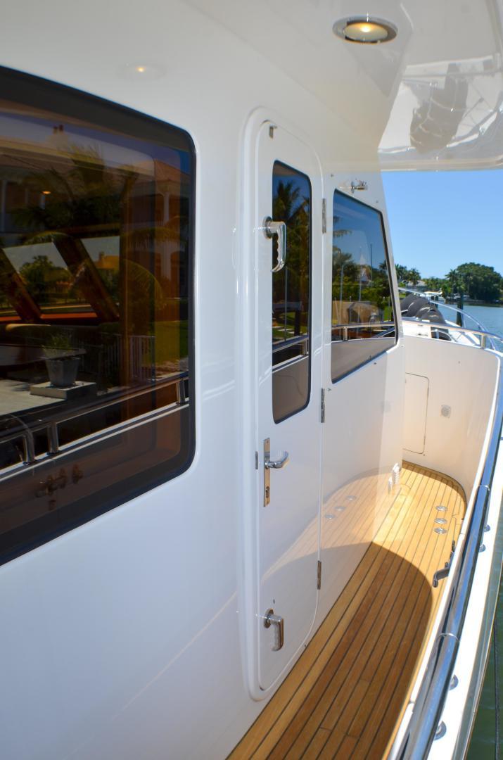 Outer Reef Yachts-860 DBMY 2017-Simon Says Vero Beach-Florida-United States-1488233 | Thumbnail
