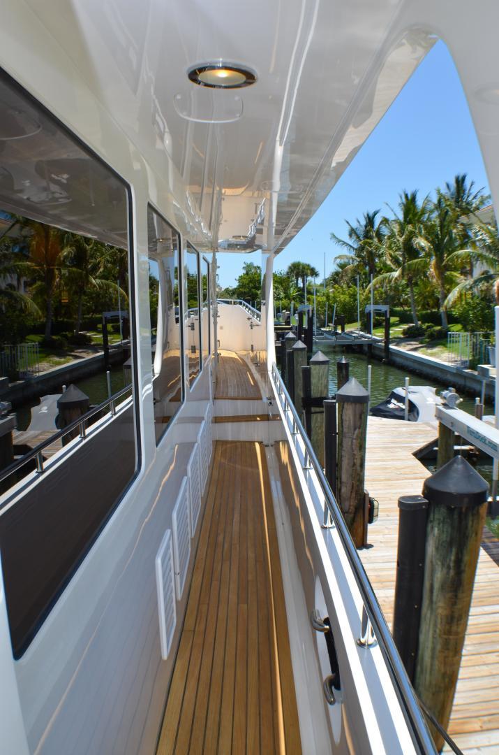 Outer Reef Yachts-860 DBMY 2017-Simon Says Vero Beach-Florida-United States-1488231 | Thumbnail