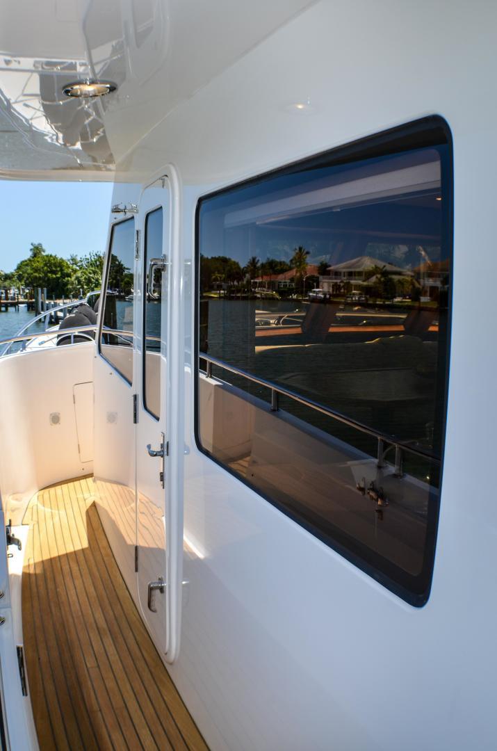 Outer Reef Yachts-860 DBMY 2017-Simon Says Vero Beach-Florida-United States-1488230 | Thumbnail