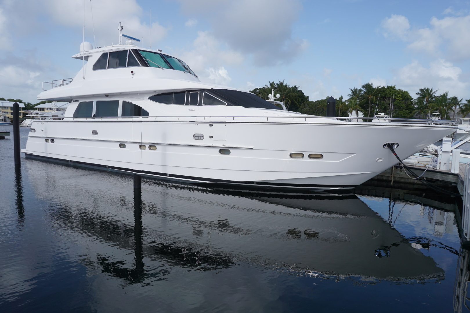 Horizon-Enclosed Flybridge 2002-Rogue Ocean Reef-Florida-United States-1494575 | Thumbnail