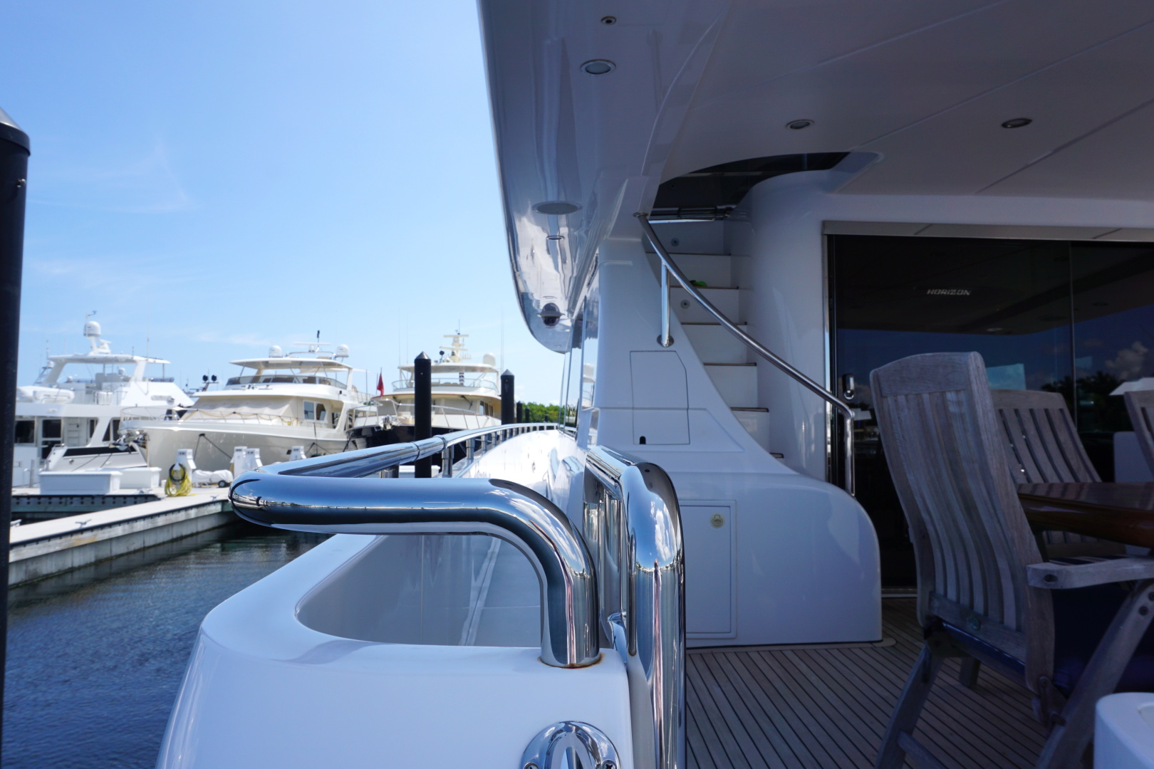 Horizon-Enclosed Flybridge 2002-Rogue Ocean Reef-Florida-United States-1494576 | Thumbnail