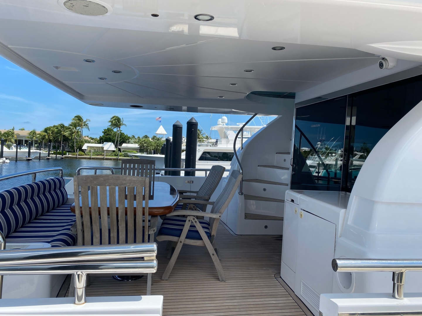 Horizon-Enclosed Flybridge 2002-Rogue Ocean Reef-Florida-United States-1494580 | Thumbnail