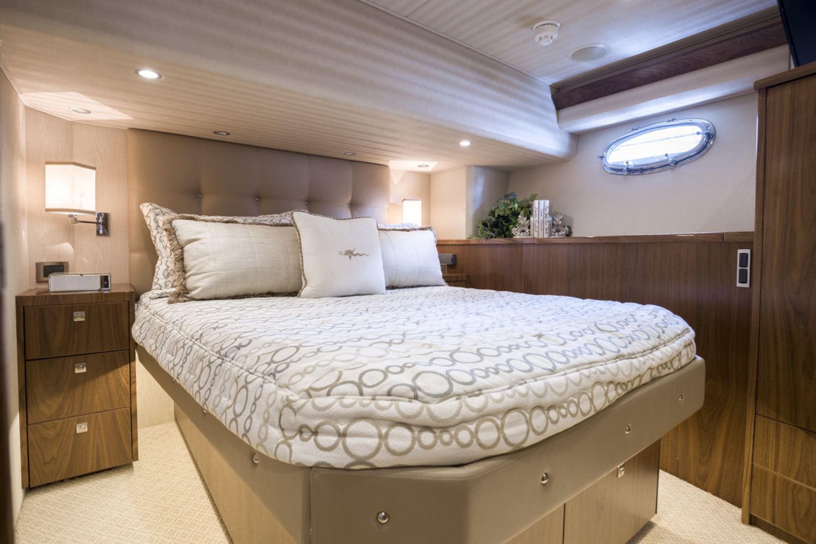 Viking-75 Motor Yacht 2015-Knot Guilty Indian Rocks Beach-Florida-United States-2015 Viking 75 MY Port Stateroom-1491279 | Thumbnail