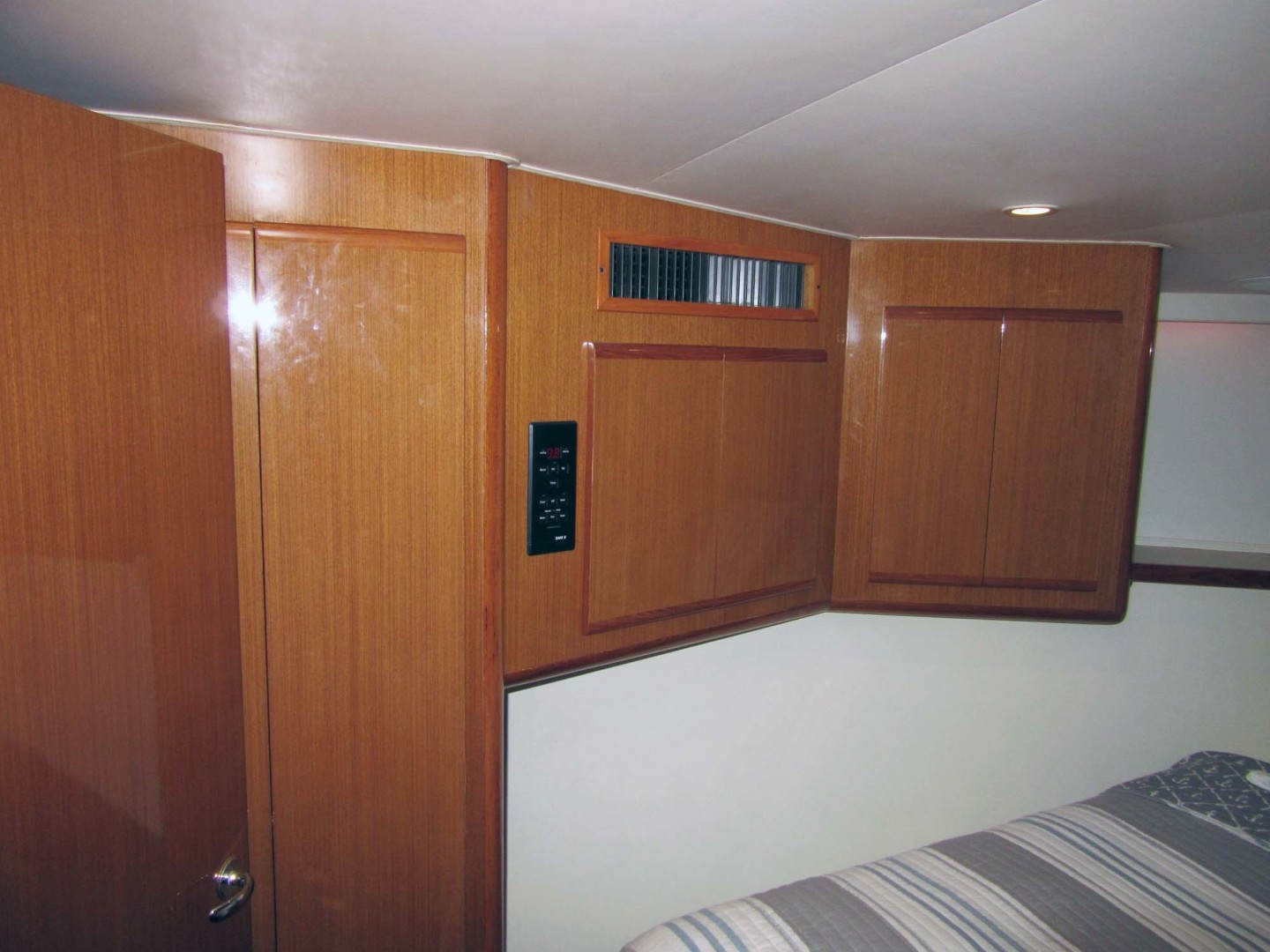 Viking-Flybridge Convertible 2001-VALHALLA Tierra Verde-Florida-United States-Master Port Cabinets-1492726 | Thumbnail