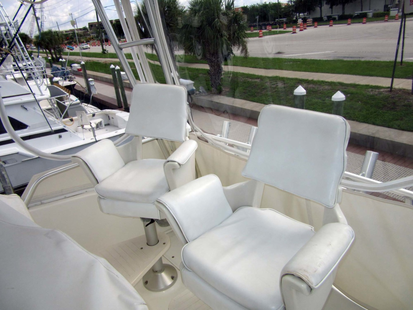 Viking-Flybridge Convertible 2001-VALHALLA Tierra Verde-Florida-United States-Helm And Companion Chairs-1492735 | Thumbnail