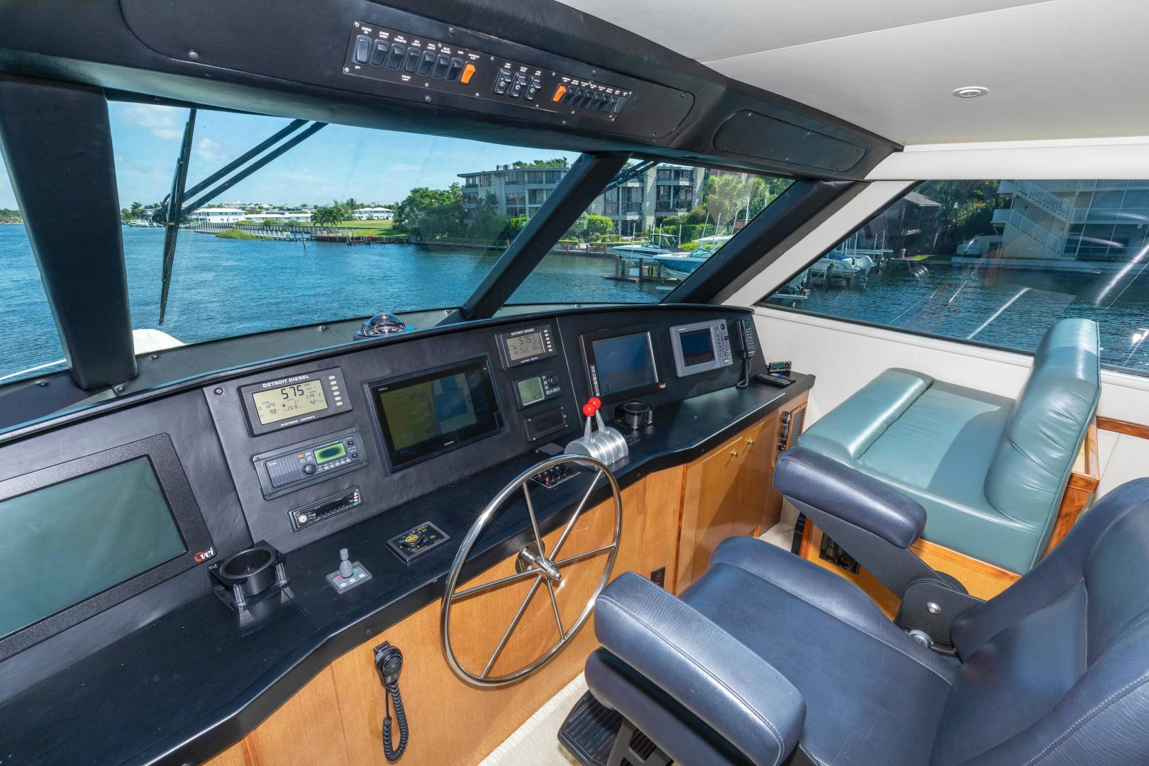 Viking-Enclosed Bridge Convertible 2002-GOOD TO GO Lighthouse Point-Florida-United States-1493950 | Thumbnail