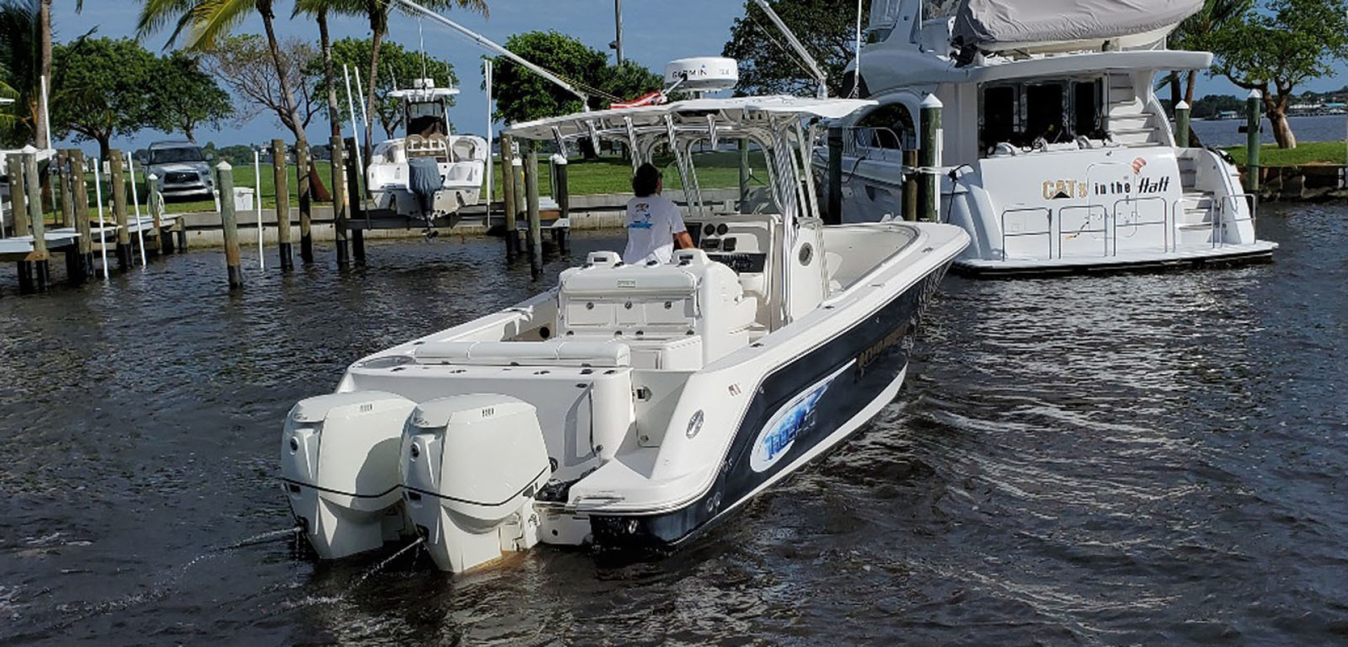 Robalo-R300 Center Console 2013-Two Roses Stuart-Florida-United States-Starboard Aft View-1533760 | Thumbnail