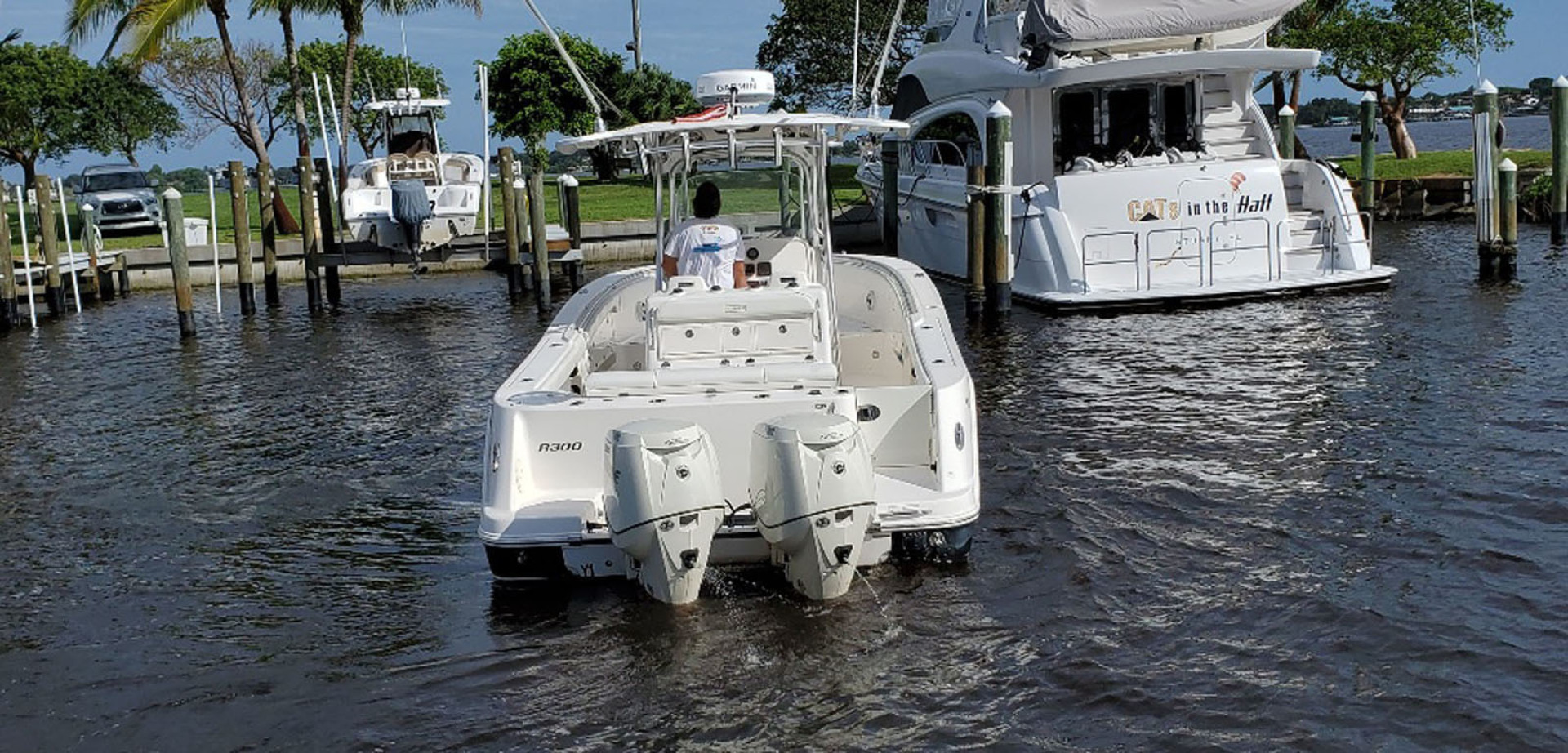 Robalo-R300 Center Console 2013-Two Roses Stuart-Florida-United States-Stern View-1533759 | Thumbnail
