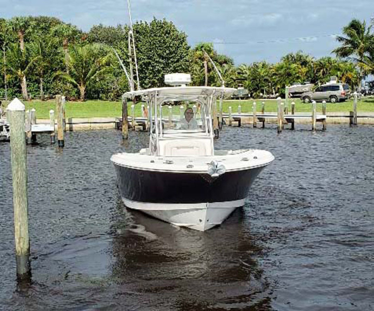 Robalo-R300 Center Console 2013-Two Roses Stuart-Florida-United States-Bow View-1533741 | Thumbnail