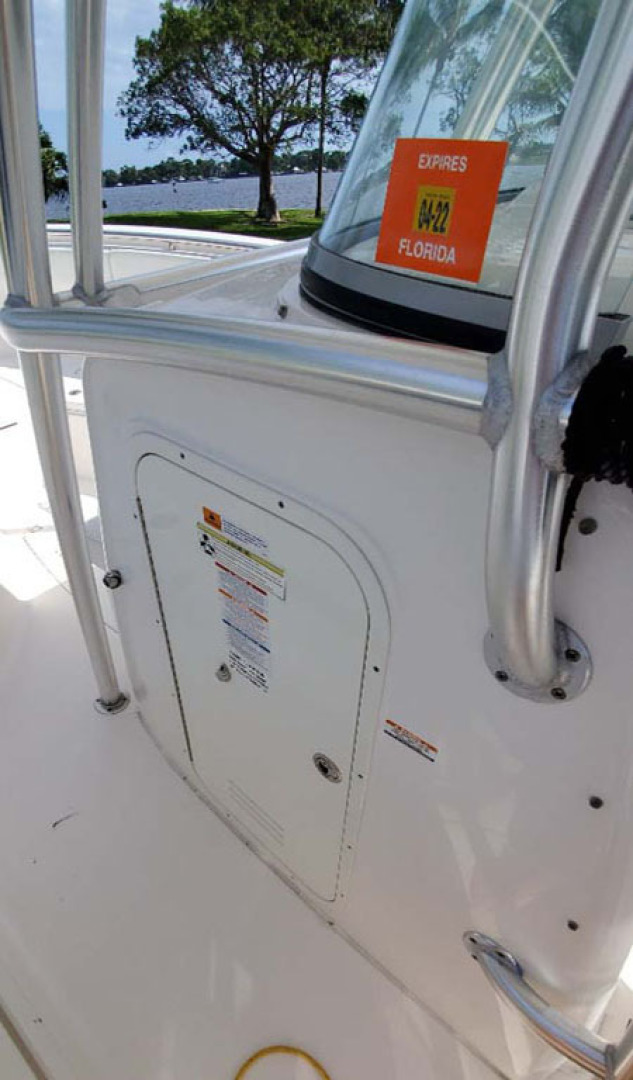 Robalo-R300 Center Console 2013-Two Roses Stuart-Florida-United States-Entrance To Head-1533744 | Thumbnail